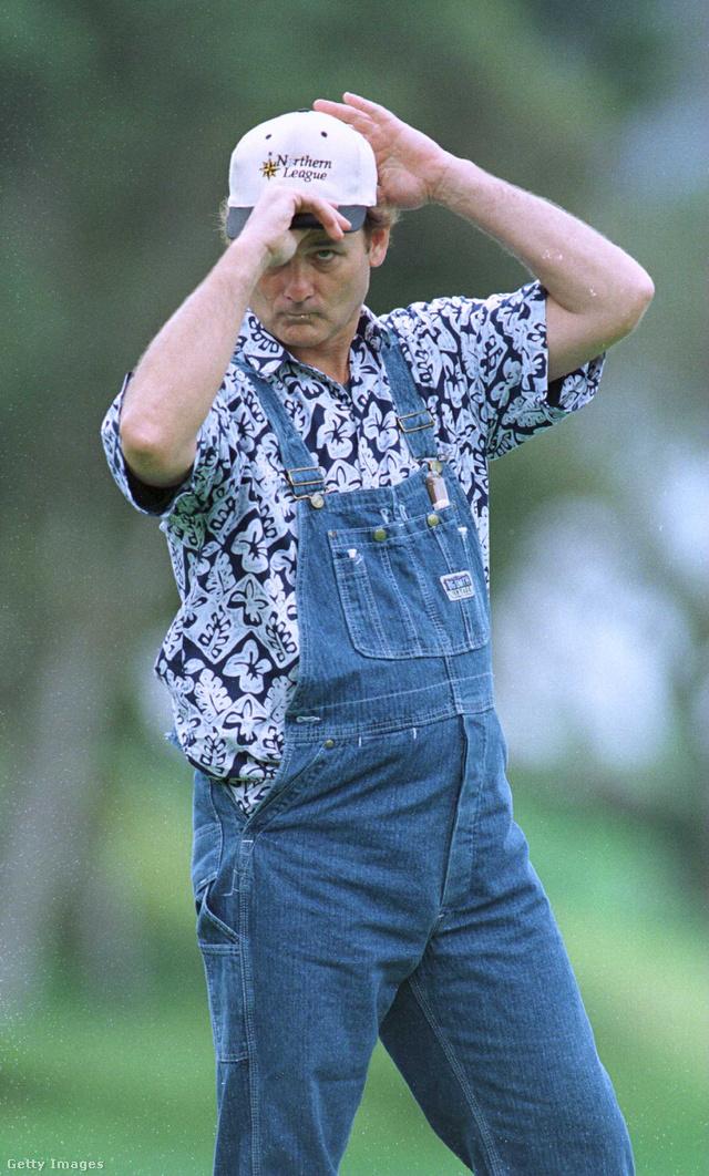 Mintás ing és kertésznadrág 1996-ban.