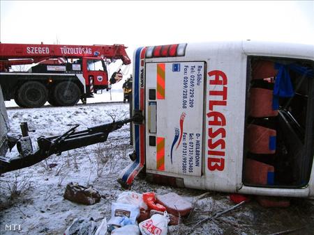 román busz baleset 2 DVETT20100121001
