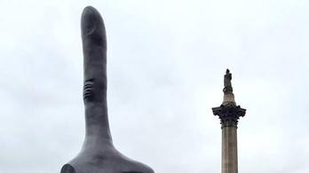 Óriási hüvelykujjal üzennek a Brexit után Londonban
