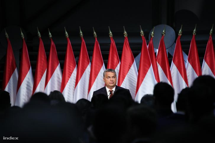 Orbán Viktor a népszavazás esti eredményei után a Bálnában tartott értékelője előtt