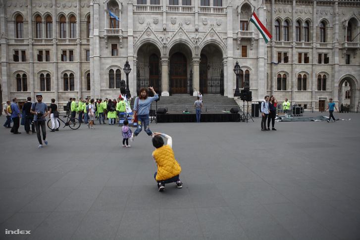 A Kossuth tér október másodikán