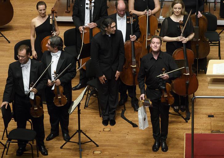Baráti Kristóf és a Londoni Filharmonikusok