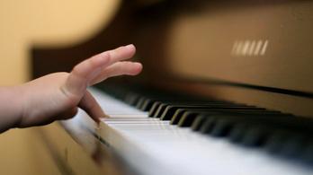 Egyedülálló koncertsorozat ifjú pianistákkal