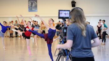 Less be a legnagyobb balett-társulatok kulisszái mögé!