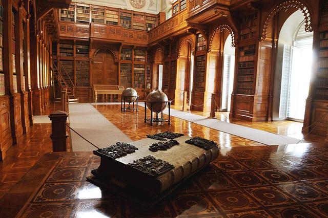 A zirci apátság könyvtára