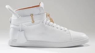 36 millióba kerül a világ legdrágább cipője