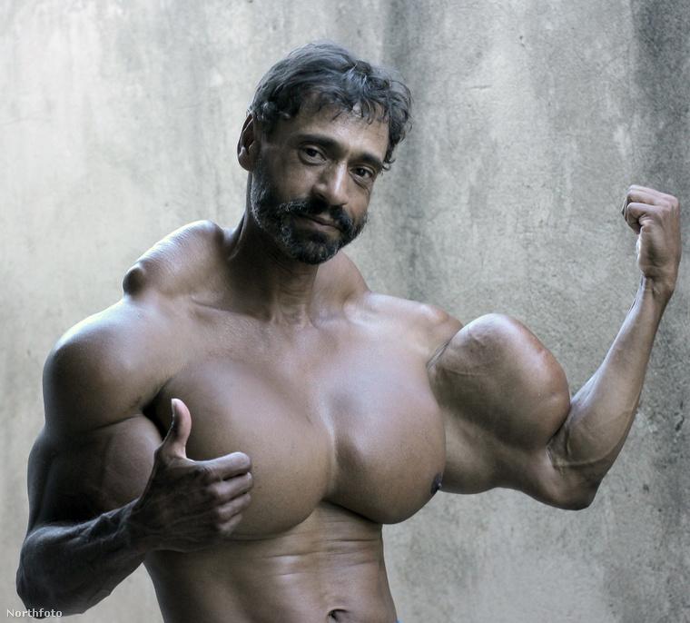 A bicepsze és a mellizma még hagyján, de a nyakát-vállát nézzék!