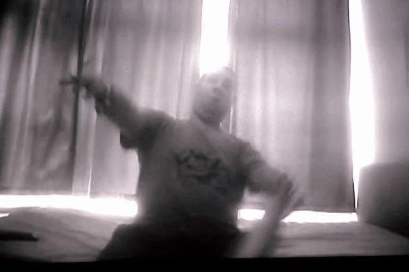 Egy jelenet a BBC rejtett kamerával rögzített találkozójáról