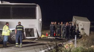 Durva buszbaleset történt az M1-es autópályán