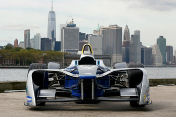 A Mercedes is a Formula E-be tart