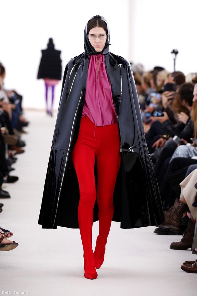A spandex anyagban látott fantáziát a Balenciaga tervezője.