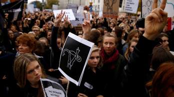 Teljes fordulatot vett a lengyel abortuszpolitika