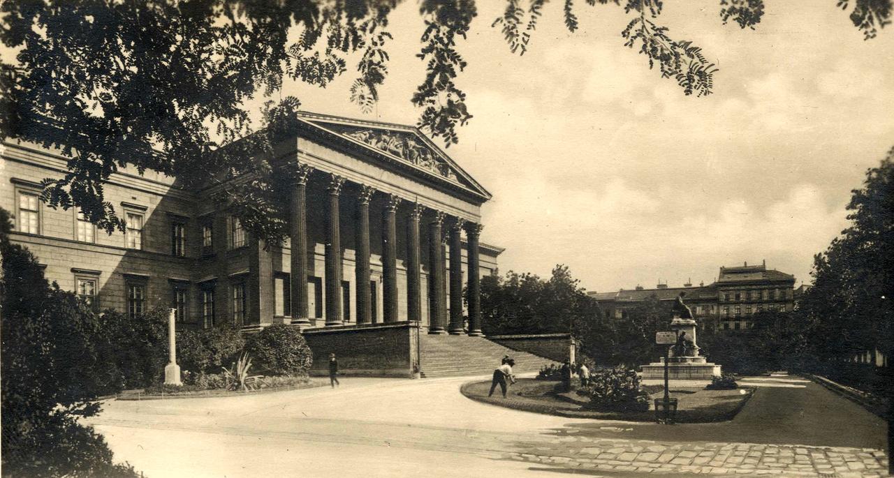 MNM 1935k Arcanum