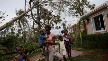 Több mint száz áldozata van Haitin a teljes városokat letaroló hurrikánnak
