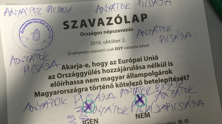 Jobbikos javaslatra 832 ezer forintra büntette az NVB a Kétfarkú Kutyákat