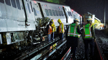 Kisiklott egy vonat Long Islanden, 29-en megsérültek