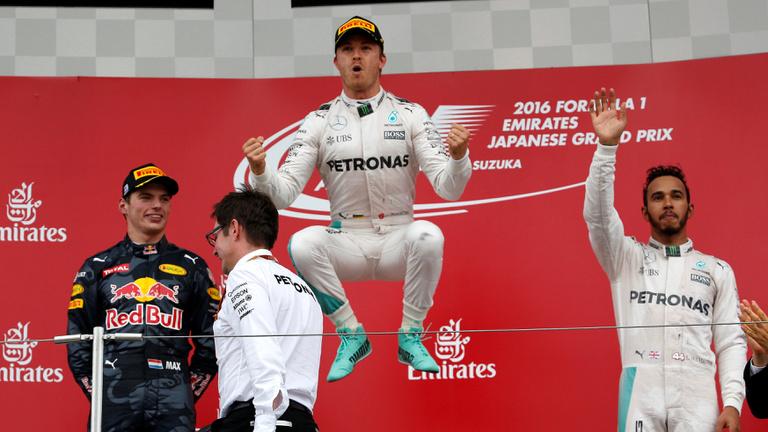 Karnyújtásnyira Rosbergtől a világbajnokság