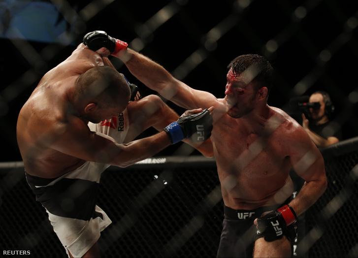 2016-10-09T045905Z 118990745 MT1ACI14636313 RTRMADP 3 MMA-UFC204
