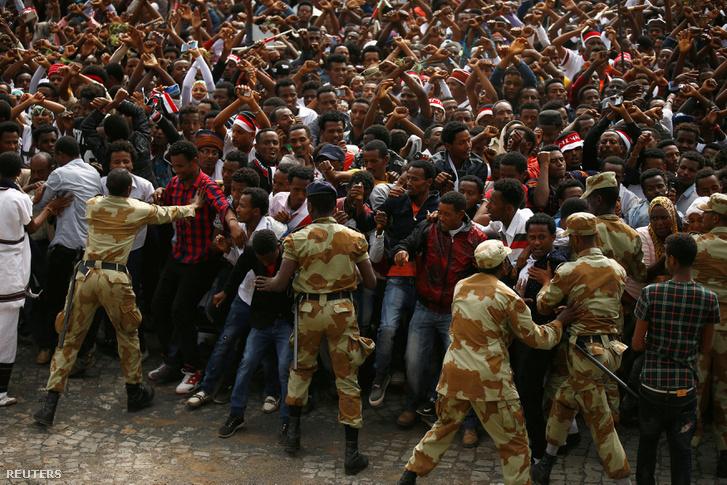 Tömegek vonultak az utcára Etiópiában