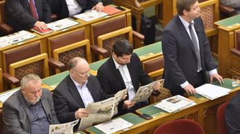 Kemény MSZP-s válasz a Népszabadság-ügyre: vizsgálóbizottság kell