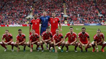 Bale és válogatott társai forradalmasították a csapatfotót