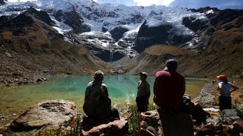 Eltűnt a hó az Andok csúcsairól