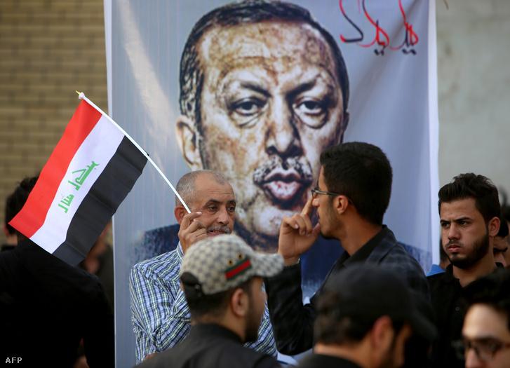 Erdogan portréja egy iraki tüntetésen