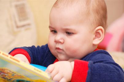 baba olvas kicsi