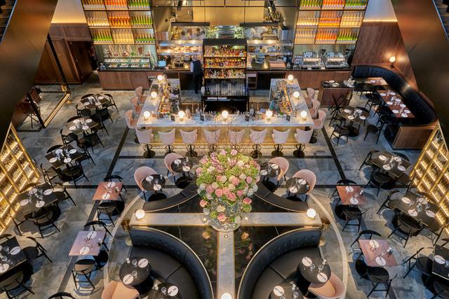 A 2015-16-os év leglenyűgözőbb étterme  a Conran and Partners által tervezett German Gymnasium lett a London központjában található King Crosson.