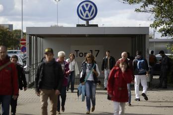 Egy kisvárosnyi alkalmazottól szabadulna a VW