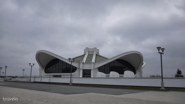 A Belexpo Kiállítási Központ épülete olyan csúnya, hogy már szép. De döntsék el maguk