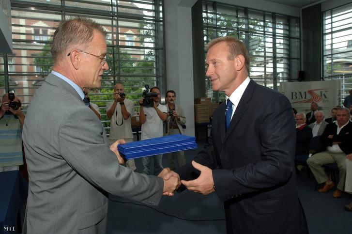 Berkes István és Gyenesei István akkori sportért felelős önkormányzati miniszter 2008-ban.