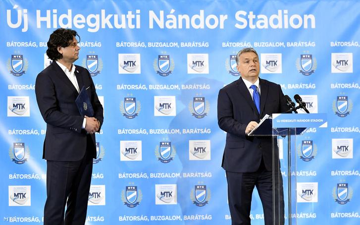 Orbán Viktor miniszterelnök (j) beszédet mond az új Hidegkuti Nándor Stadion megnyitóünnepségén