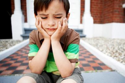 szomoru gyerek lead
