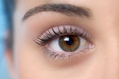 barna szem rozsaszin