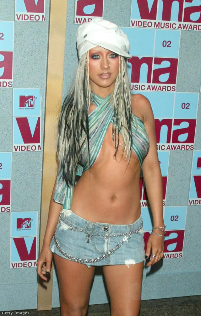 Hihetetlen, de így festett Christina Aguilera a 2002-es MTV VMA-n.
