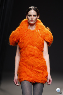 Iris narancs gyapjú habban