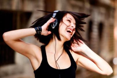 zenet hallgat lead