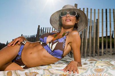 lila bikini lead
