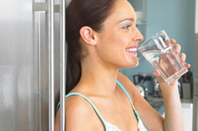vizet iszik