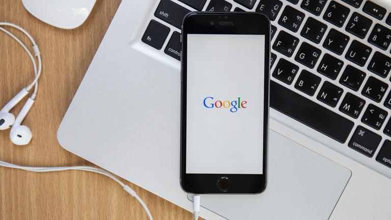 Tekeredik a Google, Apple akar lenni