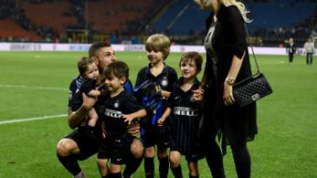 Argentína Szabó Zsófija ujja köré csavarta a futballt