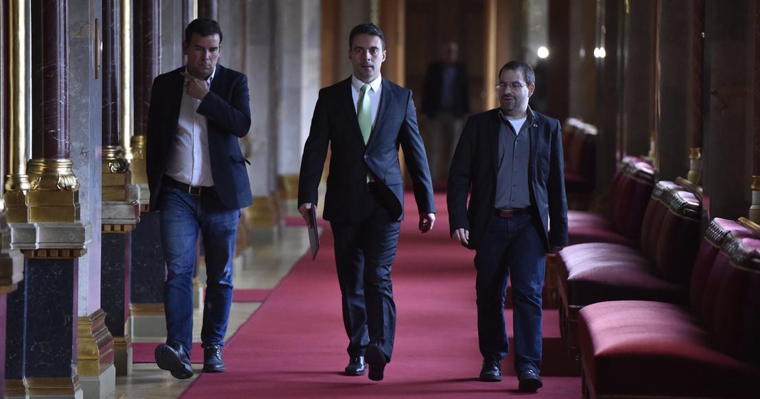 Orbán megfontolja Vona kérését: megszűnhet a letelepedési kötvény