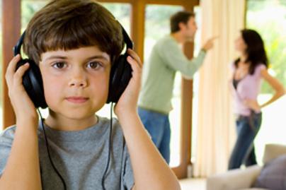 kisfiu hallas csalad