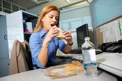 dolgozo no eszik