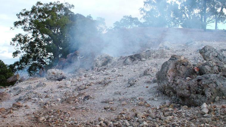 6000 éve ég egy hegy Ausztráliában