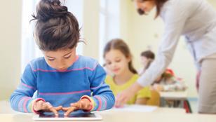 Diák, tanár, szülő, Facebook: ki kit jelöl be és miért?