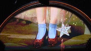 Dorothy piros cipői drágábbak, mint gondolná