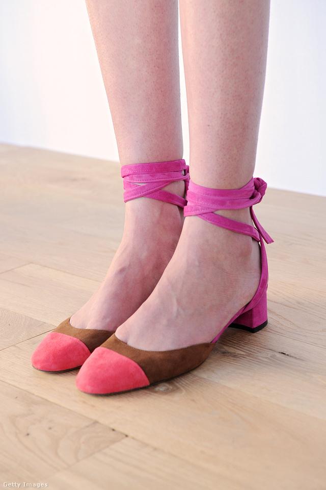 Nőies, nagyi sarkat kapott cipő a J.Crew kollekciójában.