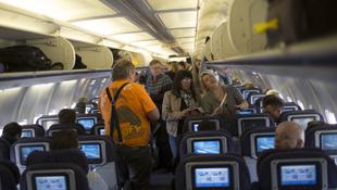 Ezért nem lehet normálisan kilátni a repülőkből
